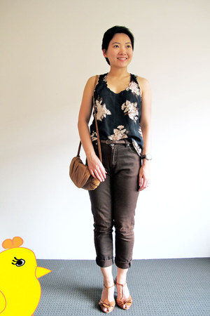 black Kmart top - dark brown Zara jeans - tawny Hush Puppies heels