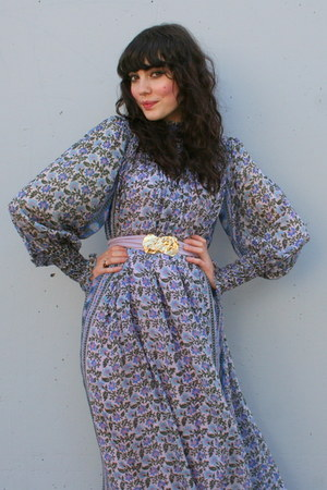 light purple vintage dress