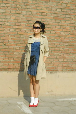 blue polka dots H&M dress - camel me&city coat - black Vintage from Mum bag