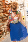 Navy-blue-skirt-crimson-bag-carrot-orange-blouse-navy-sandals