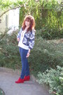 Red-boots-jacquard-zara-jacket-blue-pants