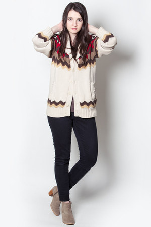 tan Old Navy cardigan - light brown DV by dolce vita boots - black Levis jeans