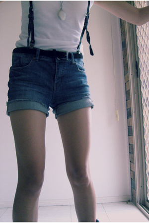 Urbane shirt - giordano shorts - Laura Ashley belt - - Billabong accessories - C