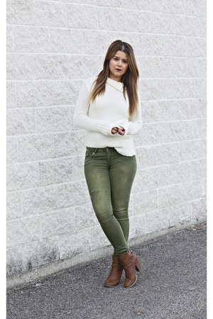 ivory wool Zara sweater - olive green distressed hm jeans