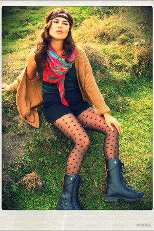 Accesorize stockings - rossignol boots - H&M cardigan - H&M pants