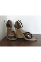 brown wild diva wedges