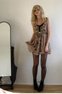 Beige-primark-dress-black-akira-boots-beige-new-look-necklace
