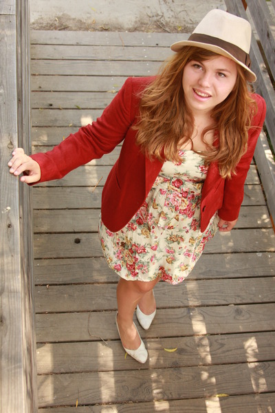 moms closet blazer - rue21 dress - moms closet shoes - Urban Outfitters hat