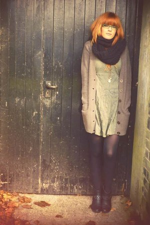 olive green dress - dark khaki Primark cardigan - black Primark scarf - black M&