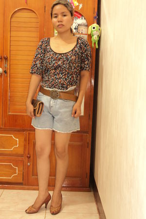 porridge by laurastang top - Wranco shorts - Axioma shoes - Louis Vuitton purse 