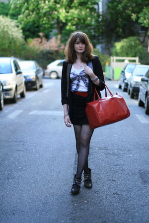 black H&M skirt - white H&M t-shirt - black Zara blazer - red vintage belt - red