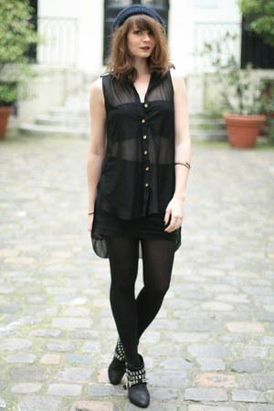 black Newlook blouse