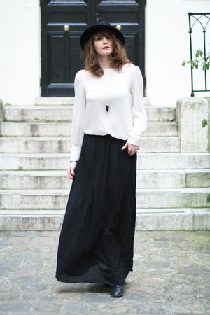black Newlook skirt