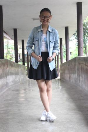 white reebok shoes - blue denim blazer - white top - black circle skirt skirt