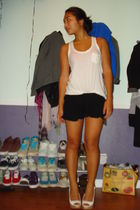white hco top - black Charlotte Russe shorts - white Jessica Simpson shoes