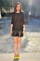 yellow neon shoemint heels - black H&M sweater - black leather Zara skirt