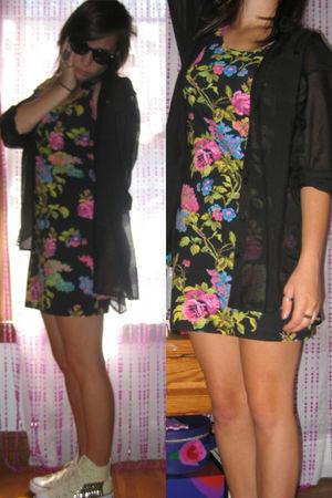 black H&M blouse - black Forever 21 dress - white Converse shoes - black Marc Ja