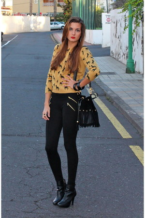 mustard romwe sweater - black Stradivarius boots - black Zara leggings