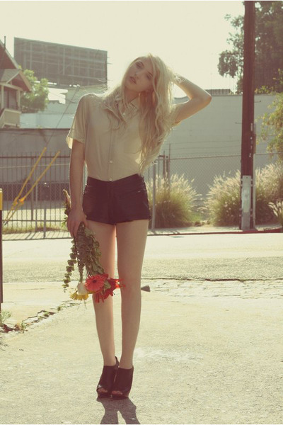 faux leather Forever 21 shorts - Theory top - Via Spiga heels