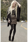 Barneys-new-york-boots-dkny-tights-camel-lf-skirt-silver-vintage-belt