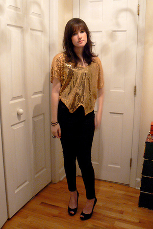 gold free people top - black thrifted pants - black Guess shoes