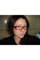 red frame glasses