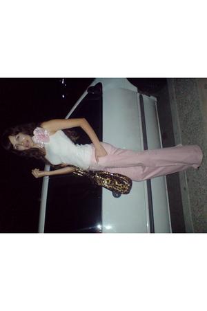 lady pink street