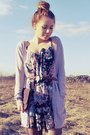 Flowered-dress-dark-brown-bag-light-pink-cardigan