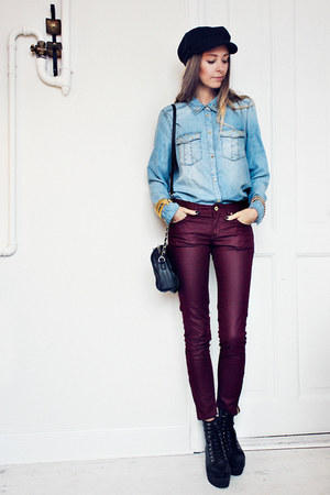 sky blue denim Mango shirt - black Mango bag - brick red H&amp;M pants