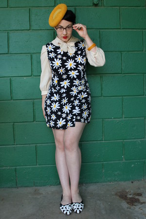 mustard vintage hat - ivory vintage blouse - black vintage romper