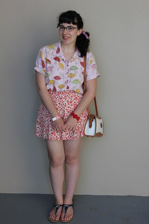 vintage purse - vintage shorts - vintage blouse - Payless sandals