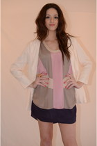 Purple-silk-maniquin-dress-light-pink-latopic-blazer