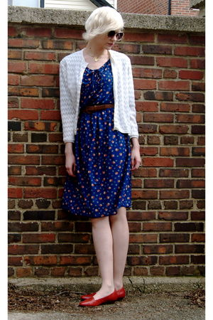 vintage dress - 50s Vintage cardigan - vintage shoes
