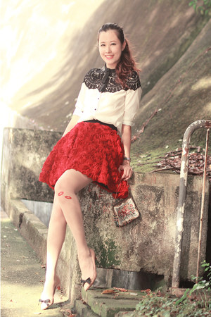 red Chicwish skirt - black Choies shirt - ivory Yesstyle stockings