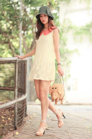 salmon ianywear dress - eggshell Joy & Peace heels