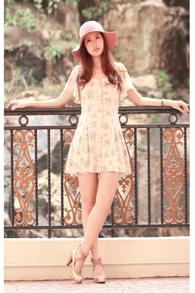 eggshell Deicy dress - bubble gum Deicy hat - gold Deicy heels