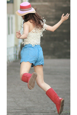 sky blue Chicwish shorts - red AUKOALA boots - ivory romwe cape