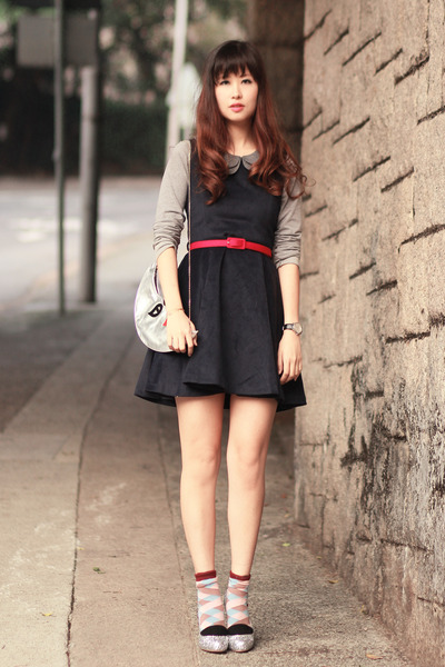 navy Chicwish dress - magenta minga berlin socks