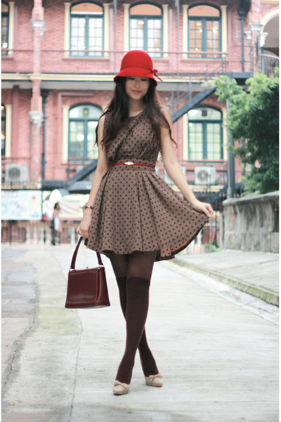 red hat - brown vavi &amp; 1st dress - red vintage bag