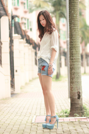 periwinkle getwear shorts - white Chicwish shirt - silver Pree Brulee bracelet