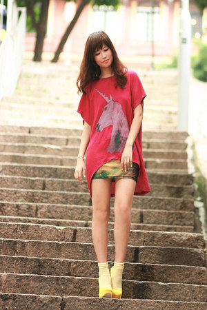 ruby red romwe t-shirt - light yellow Chicwish dress - yellow Sugarfree pumps