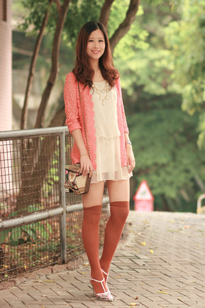 salmon romwe vintage coat - tawny H&M socks - ivory Chicwish necklace