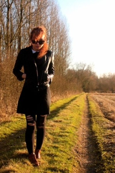 Ray Ban glasses - Topshop blazer - dress - leggings - shoes