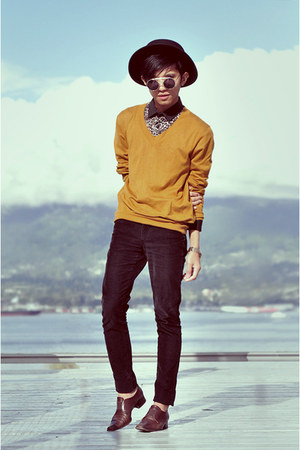 gold sweater sweater
