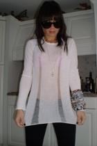 Theory t-shirt - J Brand pants - Roberto Cavali scarf - Ray Ban sunglasses - Joi