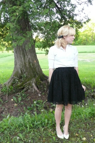 vintage top - thrifted skirt - vintage accessories - thrifted shoes