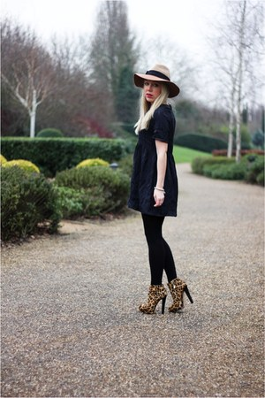 jacquard asos dress - fedora Anthroplogie hat