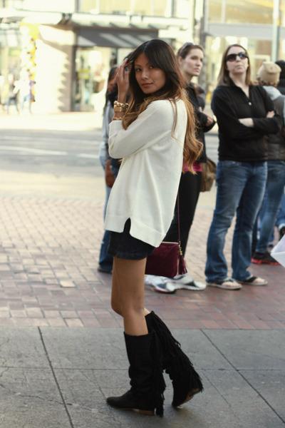 black Zara boots - ivory Zara sweater - magenta Forever 21 bag