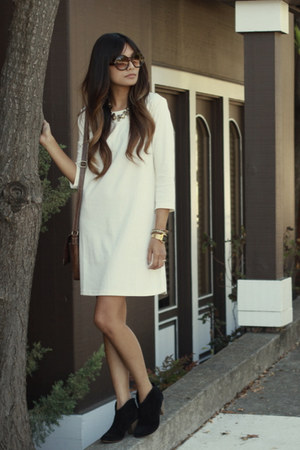 cream H&amp;M dress - black Steve Madden boots - gold JewelMint necklace