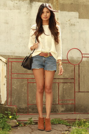 cream Mango sweater - blue Levis shorts